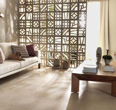 A argila encanta e desperta a alma de artista do designer.